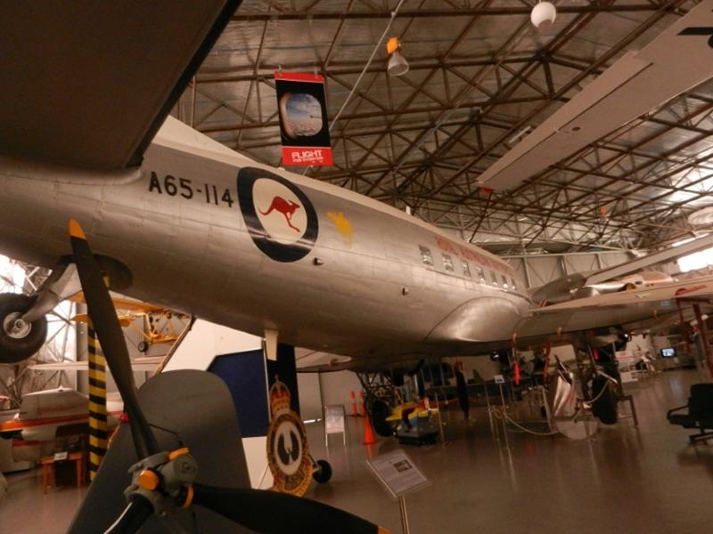 Photo)米陸軍大戦機と言えば…C47/DC3